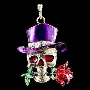 Posh Skull Pendant with Rose & Top Hat NWT